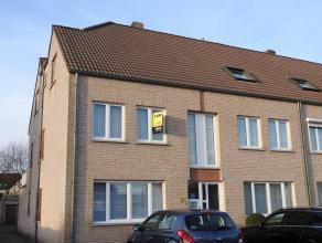 Appartement gelegen op de eerste verdieping met 3 slaapkamers.Verder bestaat dit appartement uit een living, ingerichte keuken met eetplaats, berging