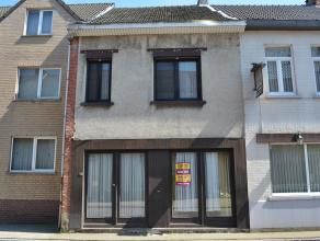 Op te frissen woning in het centrum van Meerhout.<br /> Gesloten bebouwing met een bewoonbare oppervlakte van 175 m².<br /> Bouwjaar - 1931.<br /