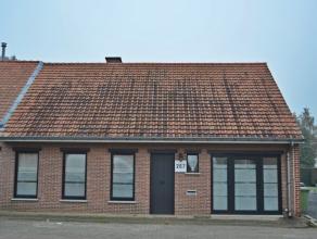 Ruime woning op 515m² te Meerhout.<br /> Halfopen bebouwing, gunstige gelegen aan de verbindingsweg Meerhout - Olmen, met in de nabije omgeving v