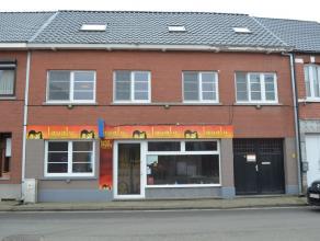 Zeer ruim gerenoveerd handelspand met woonst te Meerhout.<br /> Centraal en commercieel goed gelegen in Meerhout, met een vlotte verbinding naar Mol,