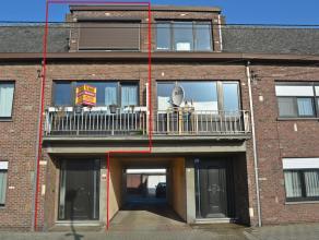 Verzorgde ruime woning met 2 slaapkamers en een garage in het centrum van Geel.<br /> <br /> De woning is gelegen in de onmiddellijke omgeving van het