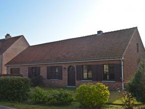 Gelijkvloerse woning gelegen op een perceel van 5a 76 te Balen.<br /> Rustig gelegen aan de dorpsrand van Balen - centrum. <br /> <br /> Indeling geli