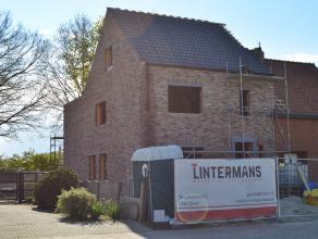 Kwaliteitsvolle nieuwe woning te Meerhout op 351 m².<br /> Dit wordt een energiezuinige woning met een E-peil 20!<br /> <br /> Deze halfopen bebo