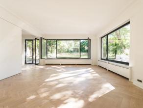 A deux pas de l'avenue Molire, maison en premire occupation aprs rnovation de 420 m sur un terrain de 1.870 m. Elle dispose d'un splendide jardin. La