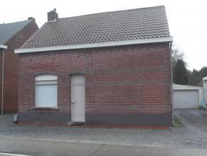 Vrijstaande woning met 3-4 slaapkamer.<br /> Woonkamer, eetplaats, keuken, veranda, badkamer.<br /> Vrijstaande garage en mooie zuid-gerichte tuin.