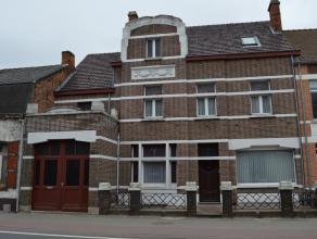 Herenwoning in het centrum van Balen op een perceel van 12are.<br /> Inkomhal, woonkamer met eetplaats, praktijkruimte of extra woonkamer, zeer ruime