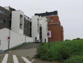"""Trendy en instapklaar appartement gelegen op de 3de verdieping in residentie """"Bloemmolens"""". Bereikbaar met lift. Hoogwaardige afwerking. Omvattende: i"""