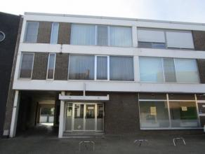 Zeer verzorgd en instapklaar appartement op de 2de verdieping met een bewoonbare oppervlakte van 67 m². Het appartement werd opgeleverd in 1976.