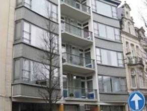 Verzorgd en ruim appartement met 2 terrassen en lift op de 3 de verdieping. Zeer gunstig gelegen in het centrum van Lier, op wandelafstand van de Grot