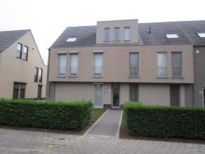 Dit ruim gelijkvloers appartement heeft een bewoonbare oppervlakte van ± 100 m² en een oostgeörienteerde tuin met terras. Het apparte