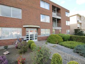 Dit appartement is gelegen op de eerste verdieping in een rustige buurt in het centrum van Kapellen. Het beschikt over een aangename leefruimte met gr