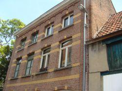 Duplex gelegen op de eerste en tweede verdieping in een doodlopend straatje.