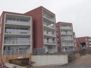 TE HUUR: Prachtig gelegen gelijkvloers nieuwbouwappartement met 2 slaapkamers op de SION. Het appartement beschikt over inkomhal met ingemaakte kast,