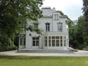 Splendide maison de caractère fin 19ème entièrement rénovée avec soin en 2015 de +/- 450 m² sur un terrain de