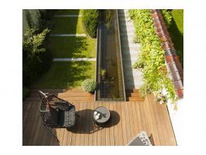 A proximité du square Marie-Louise dans le quartier européen, belle maison de caractère, façade 6m, entièrement r&e