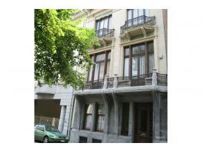 Dans le quartier européen à proximité du square de Meeus, très belle maison de maître 1904 de l'architecte Jacobs de