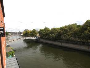 Situé dans le centre de Namur près de toutes commodités, venez découvrir ce lumineux appartement 3 chambres. <br /> Profit
