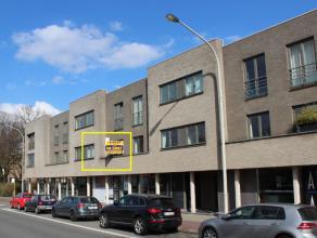 RECENT APPARTEMENT MET 2 SLAAPKAMERS, LIFT EN RUIM TERRAS -<br /> indeling appartement 1ste verdieping: inkomhal met vestiaire en apart toilet, living