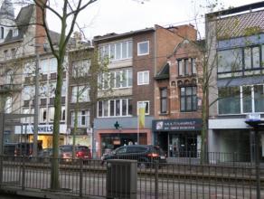 U wil op wandelafstand van winkels, bus, tram, ... wonen in een kleine en rustige residentie ?Kom snel dit instapklaar appartement bezoeken en sta ver