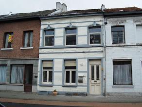 Deze gesloten bebouwing van ± 159m² is centraal gelegen nabij het centrum van Mechelen. Met de wagen hebt U een goede verbinding via E19.