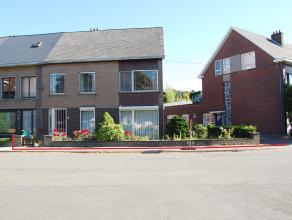 Deze ruime woning (half open) is gelegen in een rustige straat aan de stadsrand van Mechelen. U bent er op fietsafstand van het centrum van Mechelen.