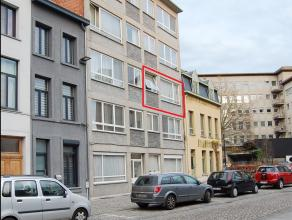 Dit te renoveren appartement is gelegen op de 2de verdieping in residentie 'Don Quichotte'. Te voet of met de fiets bent u meteen in het commerci&euml