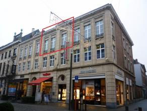 Gezellig instapklaar appartement van ± 82m² gelegen in het hartje, de winkelstraat van Mechelen! U bent op wandelafstand van scholen en wi