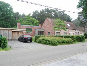Deze ruime en zonnige woning is gelegen in een groene en bosrijke omgeving te Rijmenam. U bent er op wandelafstand van het centrum van Rijmenam. Zowel