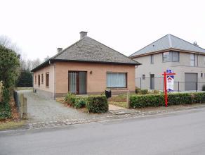 Deze praktische gelijkvloerse woning is gelegen in een groene omgeving net buiten het centrum van Bonheiden. Vanuit de tuin heeft u uitzicht over het
