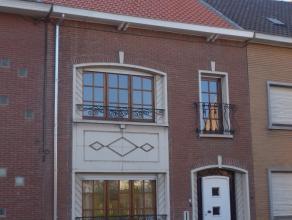 Deze volledig gerenoveerde woning is gelegen in de stadsrand van Mechelen! De woning is een ideale uitvalbasis voor fiets- en/of wandeltochtjes langsg
