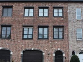 Mooie goed gelegen Bel-etage woning rustig gelegen maar zeer dichtbij winkels , centrum en oprit E19.<br /> Deze ruime woning bestaat uit: glvl: inkom