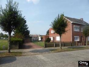 Ruime HOB gelegen in een kindvriendelijke buurt, tegenover de gemeentelijke school met een bewoonbare oppervlakte van190 m². op een grondopp van
