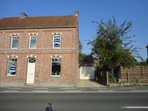 Deze volledig gerenoveerde woning (2015) is gelegen te Ninove-Nederhasselt, Geraardsbergsesteenweg 162 en begrijpt: mooi ingerichte living met zithoek