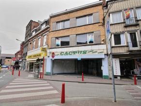 MOUSCRON, surface commerciale : Situé dans le centre de Mouscron et bénéficiant d'une très belle visibilité, ce com