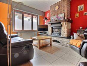 MOUSCRON - Maison de rangée à moderniser à deux pas du parc : - Rez-de-chaussée : living (27 m²), cuisine équi