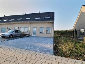 HERSEAUX - Maison neuve aux finitions de qualités, comprenant : - Rez-de-chaussée : Hall (2 m²), wc avec lave-mains, salle à
