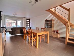 HERSEAUX - Superbe maison rénovée avec goût située au cur du village : - Rez-de-chaussée : Grand living ouvert sur l