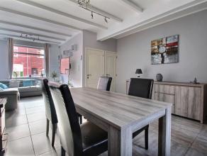 MOUSCRON, maison de rangée avec possibilité de garage en location, comprenant : - Rez-de-chaussée : hall, living, cuisine &eacute
