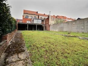 MOUSCRON - Maison bourgeoise, idéal profession libérale: - Rez-de-chaussée : hall avec pièce de 30m² pouvant servir &
