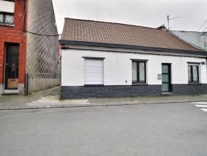Herseaux - Maison semi plaind pied entièrement rénovée en 2012 : - Rez-de-chaussée : living (+/- 25 m²), cuisine avec