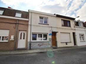 Herseaux - Maison de rangée dans une rue très calme en impasse : - Rez-de-chaussée : hall d'entrée, living, espace cuisine