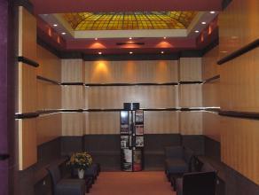 Prestigieuzekantoren gelegen in de onmiddellijke omgeving van Place Stéphanie en het Steinberger hotel. <br /> <br />  Goede bereikbaarheid m
