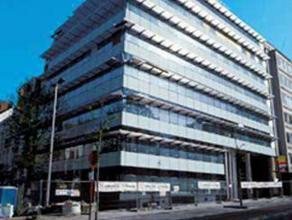"""Kantoren gelegen in de """"Crystal building"""". De totale oppervlake bedraagt ± 3.500 m², waarvan er momenteel 1.331 m² onmiddellijk besch"""