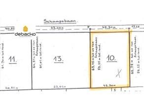 Prachtig perceel bouwgrond van respectievelijk 2521 m² in de goedgekeurde woonzone van Essen - Wildert !  Op het perceel staat een te renoveren/a