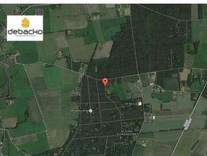 Ruim perceel weekendgrond<br /> te Essen - Horendonk.In een oase van<br /> groen en rust bevindt zich dit uitgestrekt perceel. Met een straat breedte<