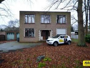 TE RENOVEREN, karaktervolle villa woning te Bonheiden-Dorp met een bew. opp. van 266m² op een perceel van 1540m². Riante inkomhal 15m²