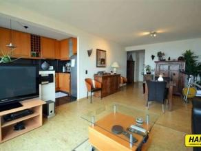 Ruim gemeubeld appartement van 90m² met 2 slaapkamers gelegen op de 14de verdieping in een gebouw van 15 hoog met prachtig zicht van Antwerpen. W