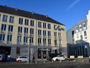 EN PLEIN CENTRE VILLE DE LIEGE DANS UN IMMEUBLE MODERNE, APPARTEMENT 2 CHAMBRES EN EXCELLENT ETAT - COMPOSITION : un hall d'entrée + un hall de