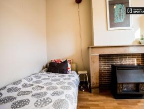 Chambre à louer dans un appartement de 1 chambres à Ixelles proche Ixelles  680 €  charges incluses ! N'hésitez pas à nous