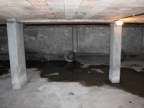 Contactname: Eline Ampe - 0478/36 20 40<br /> <br /> Deze ondergrondse autostaanplaats is ideaal gelegen in het centrum van Deinze, tegenover het nieu